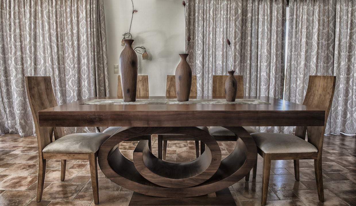DINNING TABLE2