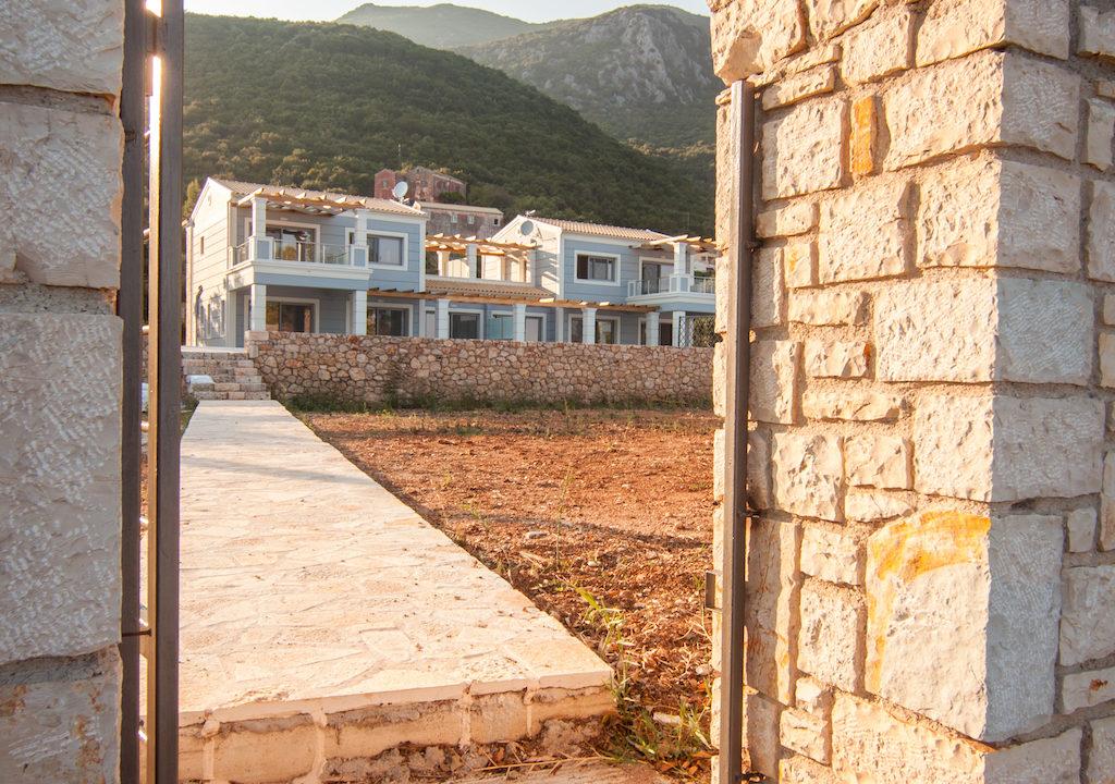 villa2be-villa-barbati-duo-waterfront-34