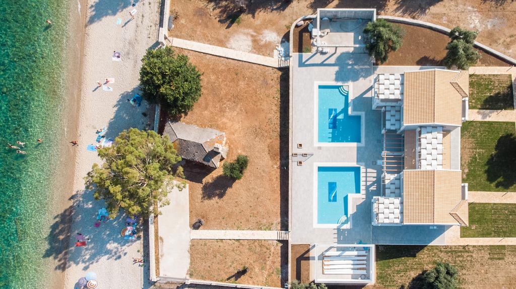villa2be-villa-barbati-duo-waterfront-5