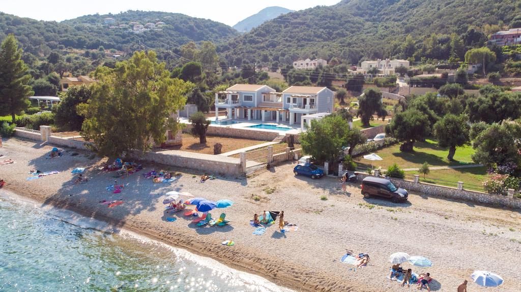 villa2be-villa-barbati-duo-waterfront-9